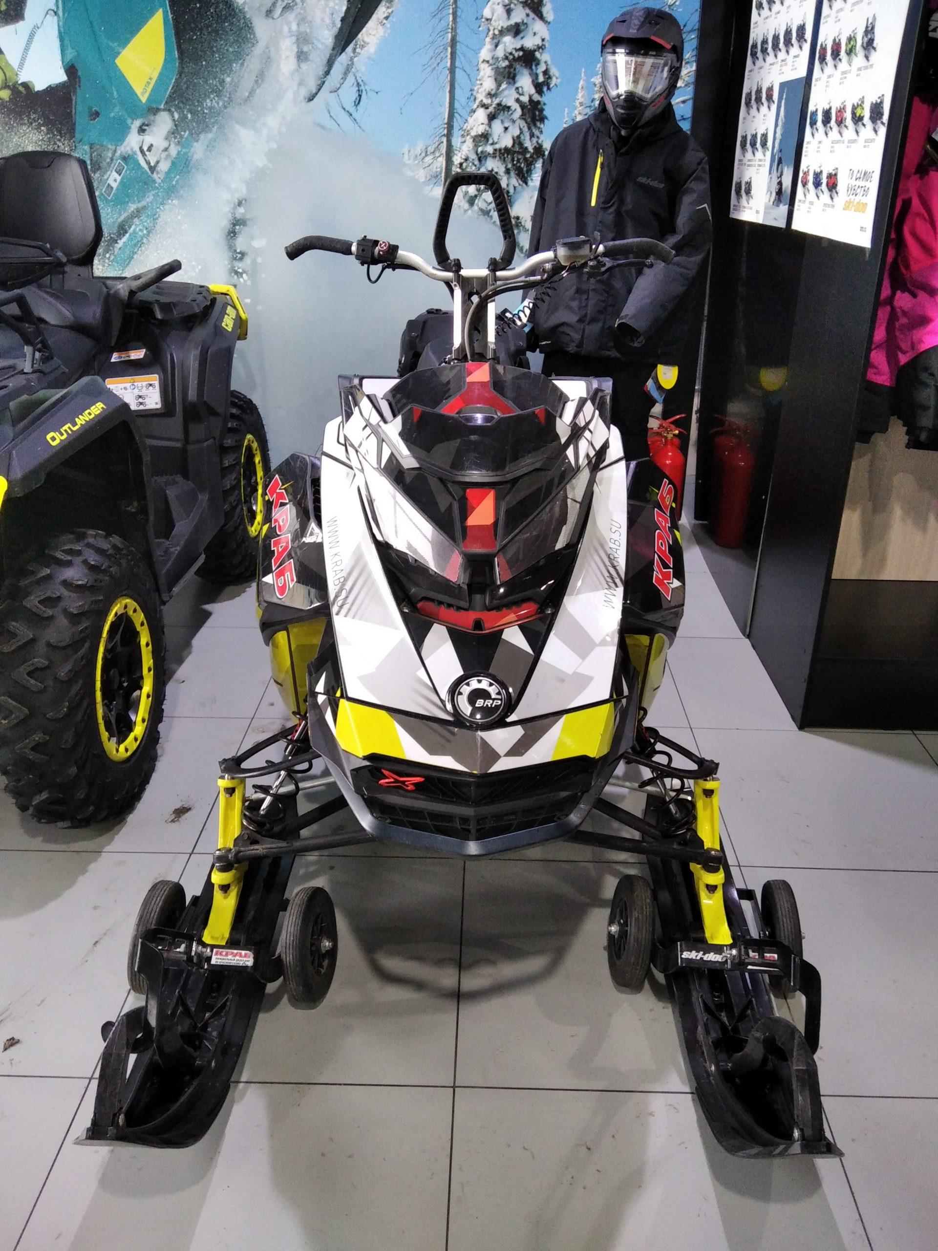 SKI-DOO SUMMIT X 850 154 Чёрный